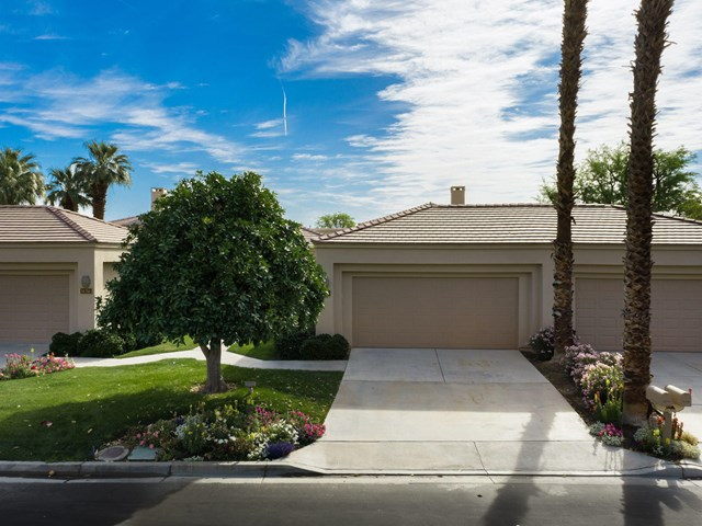 Active | 54778 Oak Tree #A38 La Quinta, CA 92253 3