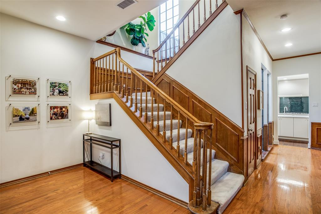 Sold Property   11946 Tavel Circle Dallas, Texas 75230 3