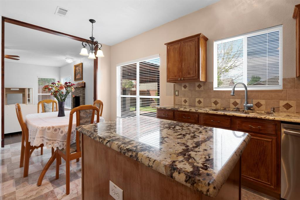 Pending | 1055 Waterview Drive Little Elm, Texas 75068 13