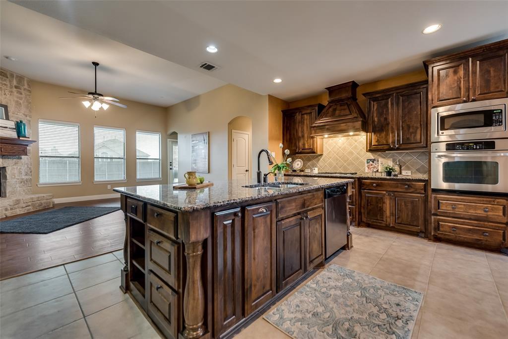 Sold Property | 2317 Emerald Lake Lane Little Elm, Texas 75068 8