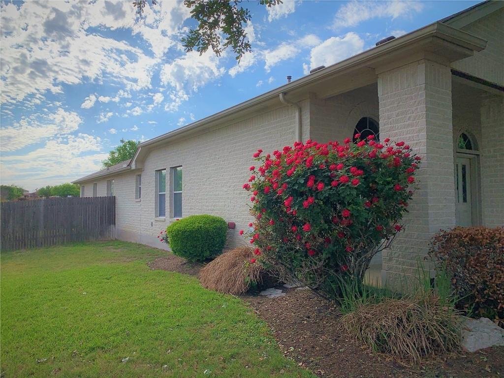 Pending | 1400 Katie Lynch Drive Pflugerville, TX 78660 27