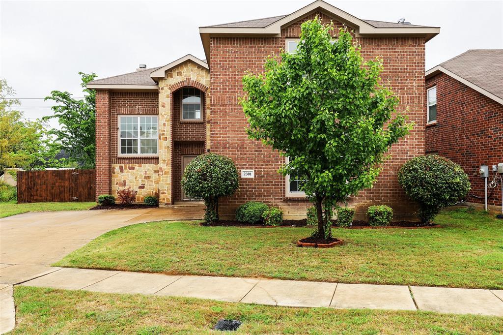 Active   2301 Saffron Lane Arlington, Texas 76010 0