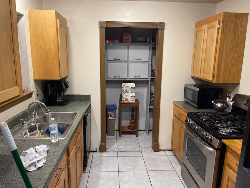 Active | 2015 Rimrock Street Kemah, Texas 77565 5