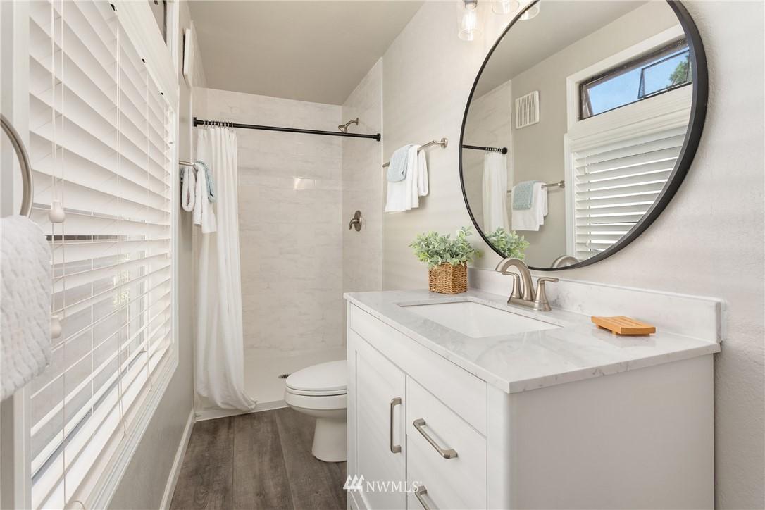 Sold Property | 2530 NE 82nd Street Seattle, WA 98115 19