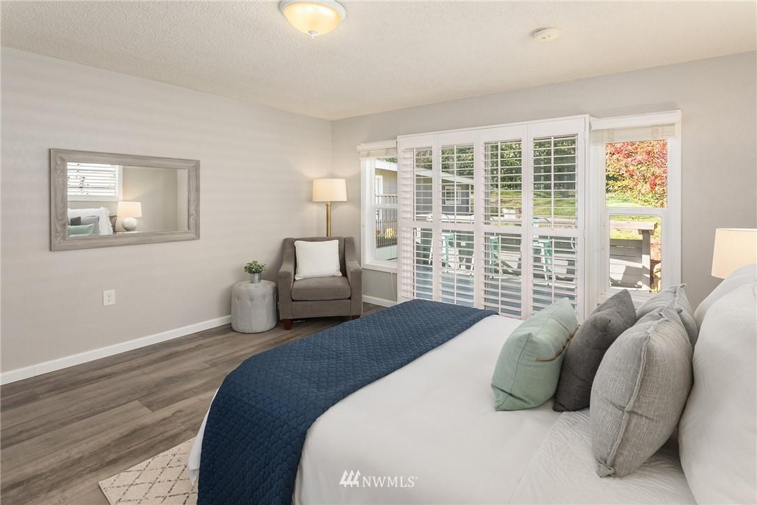 Sold Property | 2530 NE 82nd Street Seattle, WA 98115 18