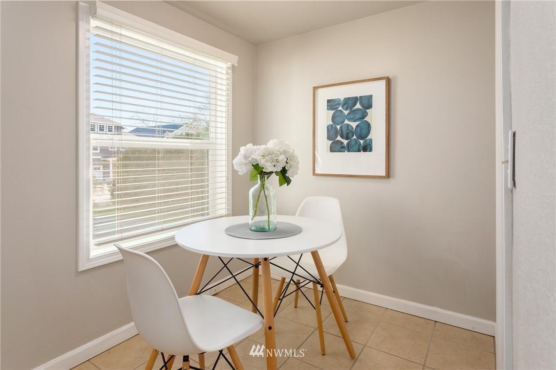 Sold Property | 2530 NE 82nd Street Seattle, WA 98115 12