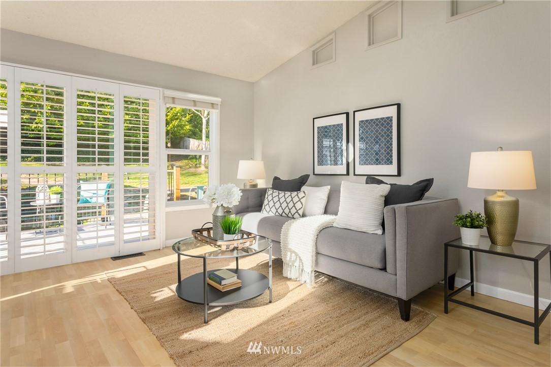 Sold Property | 2530 NE 82nd Street Seattle, WA 98115 16