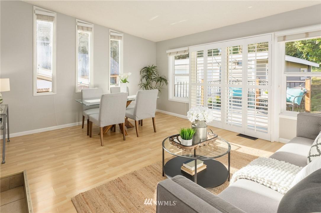 Sold Property | 2530 NE 82nd Street Seattle, WA 98115 14