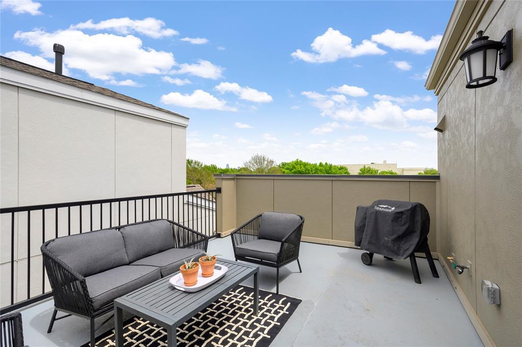 Pending | 750 High Garden Place Dallas, Texas 75208 20