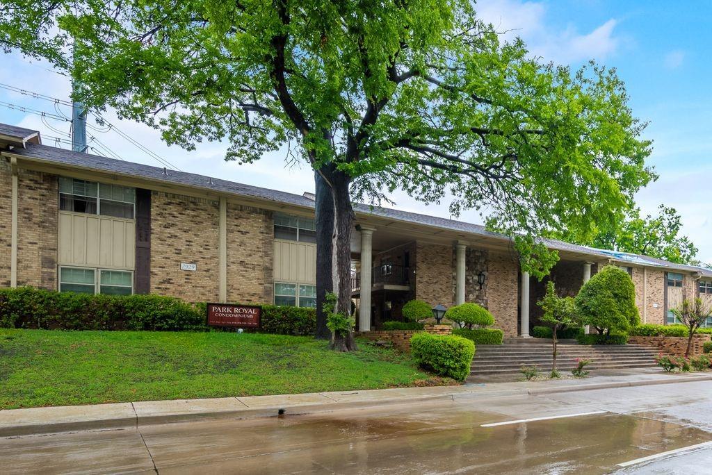 Active Option Contract   7929 Royal Lane #206 Dallas, Texas 75230 1