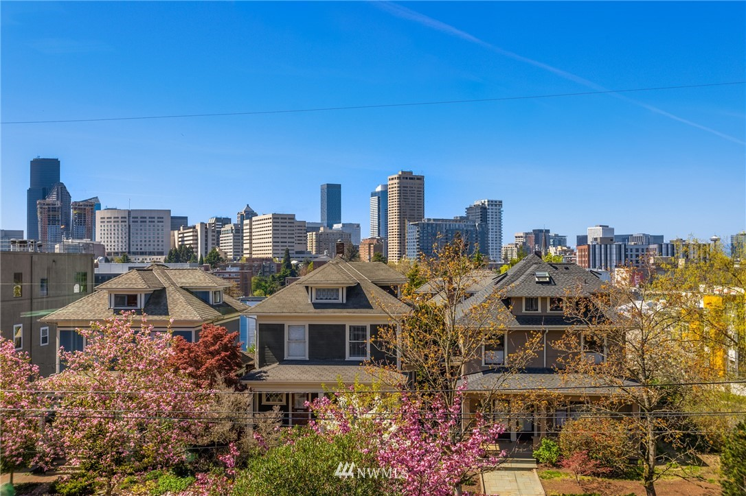 Active | 1501 E Spring Street #7 Seattle, WA 98122 12