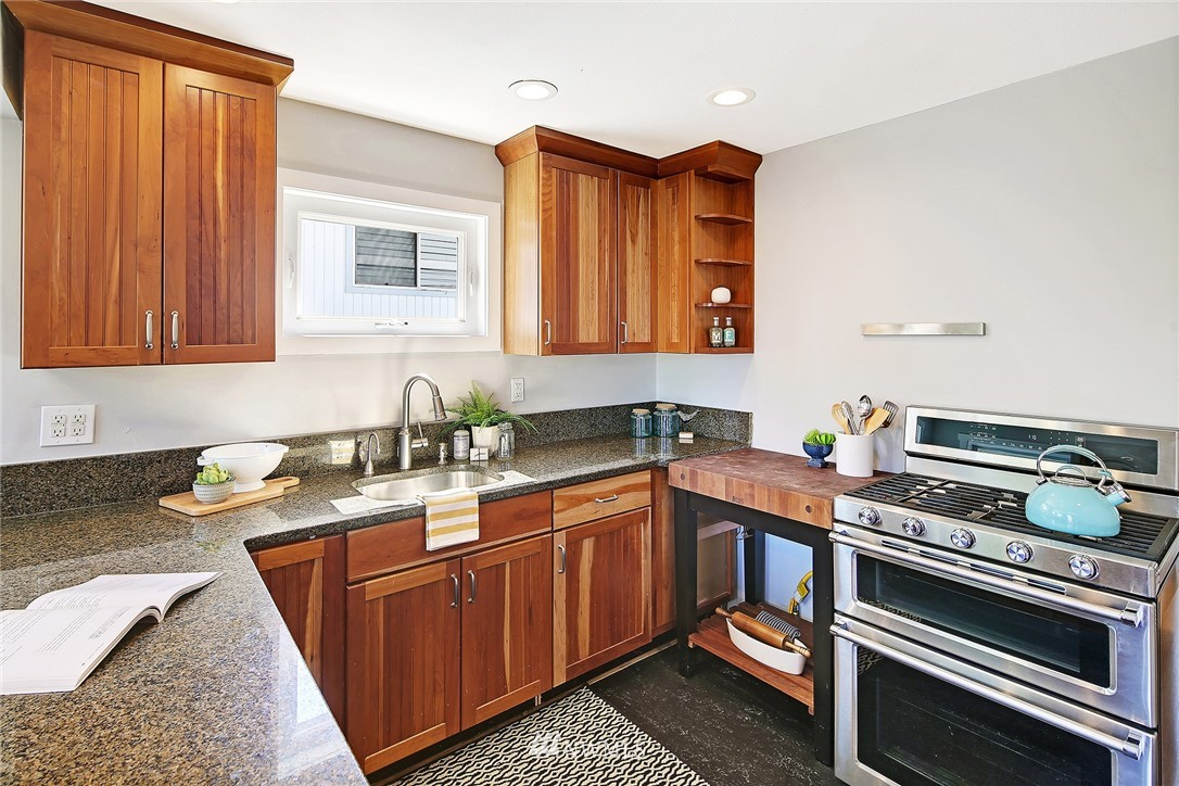 Sold Property | 6732 13th Avenue NW Seattle, WA 98117 7