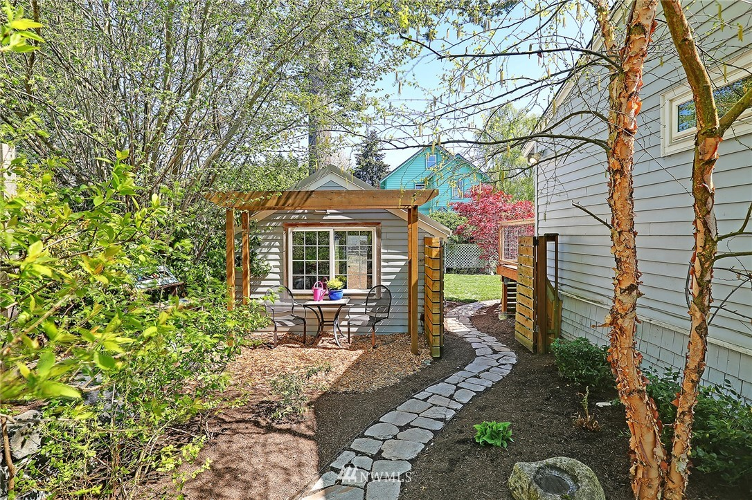 Sold Property | 6732 13th Avenue NW Seattle, WA 98117 18