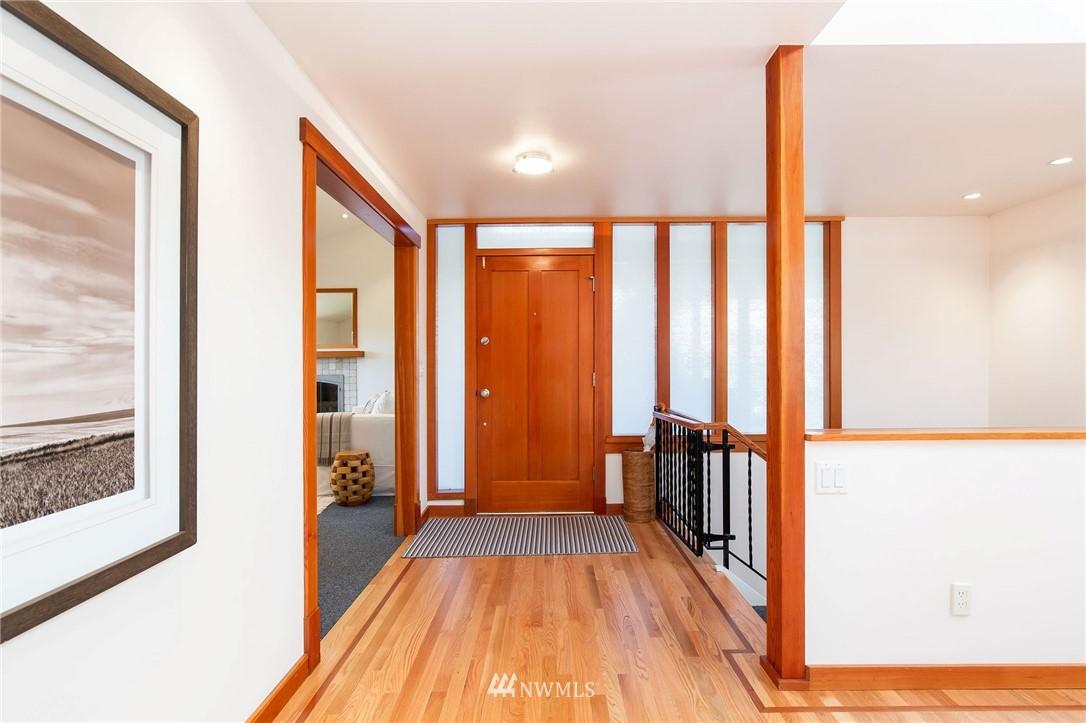 Sold Property | 1314 5th Avenue W Seattle, WA 98119 1