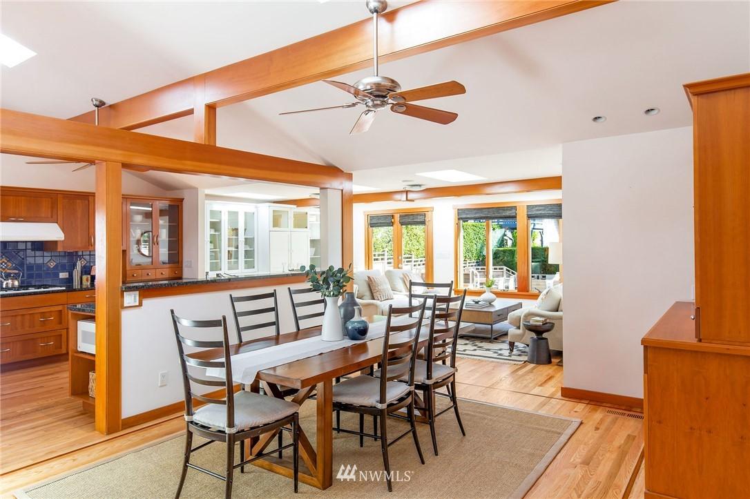 Sold Property | 1314 5th Avenue W Seattle, WA 98119 4