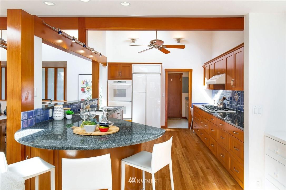 Sold Property | 1314 5th Avenue W Seattle, WA 98119 12