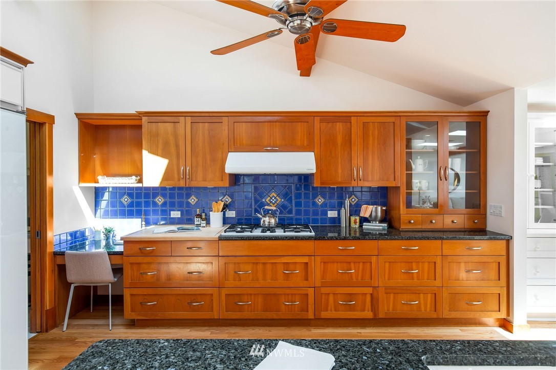 Sold Property | 1314 5th Avenue W Seattle, WA 98119 13