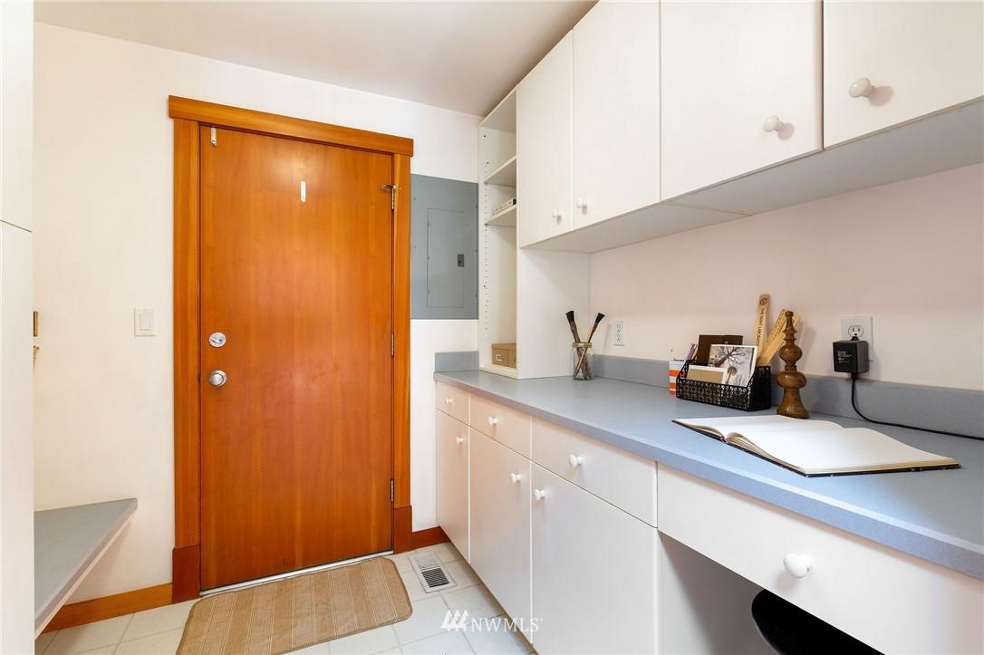 Sold Property | 1314 5th Avenue W Seattle, WA 98119 14