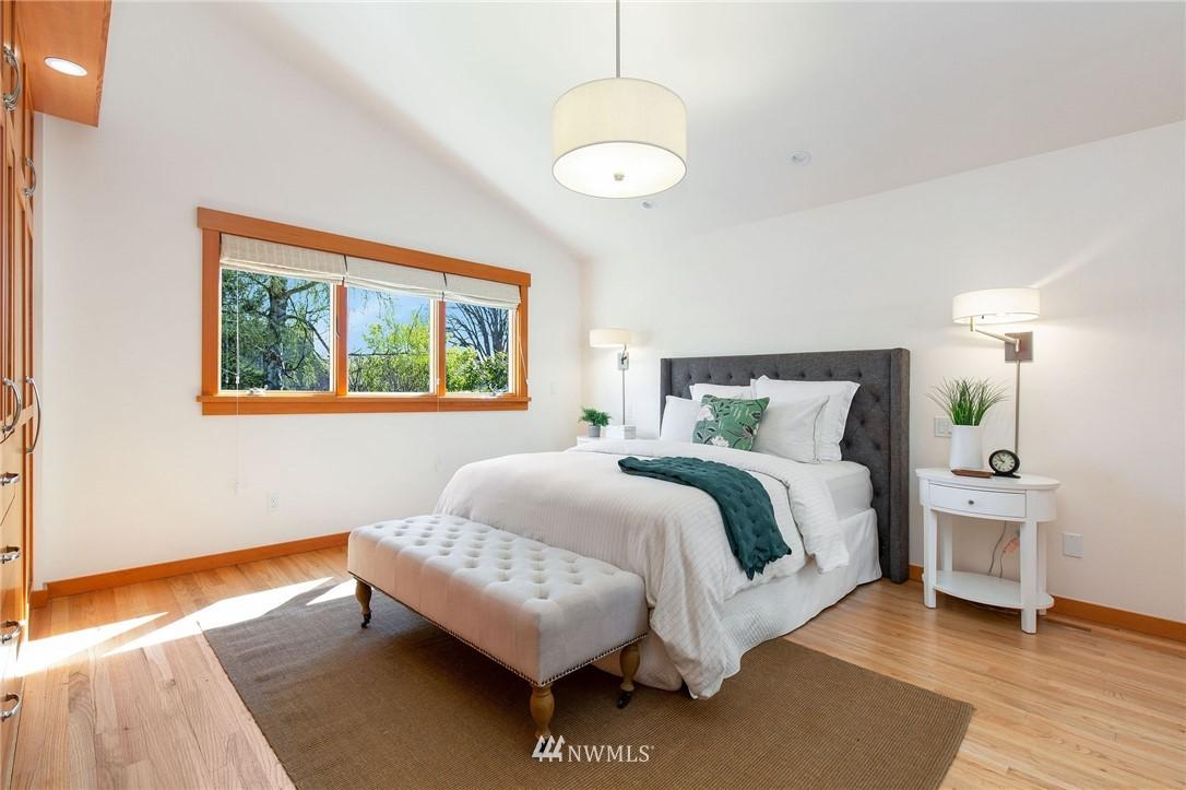 Sold Property | 1314 5th Avenue W Seattle, WA 98119 15