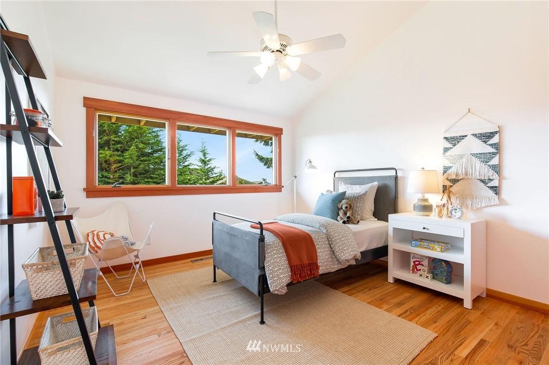 Sold Property | 1314 5th Avenue W Seattle, WA 98119 19