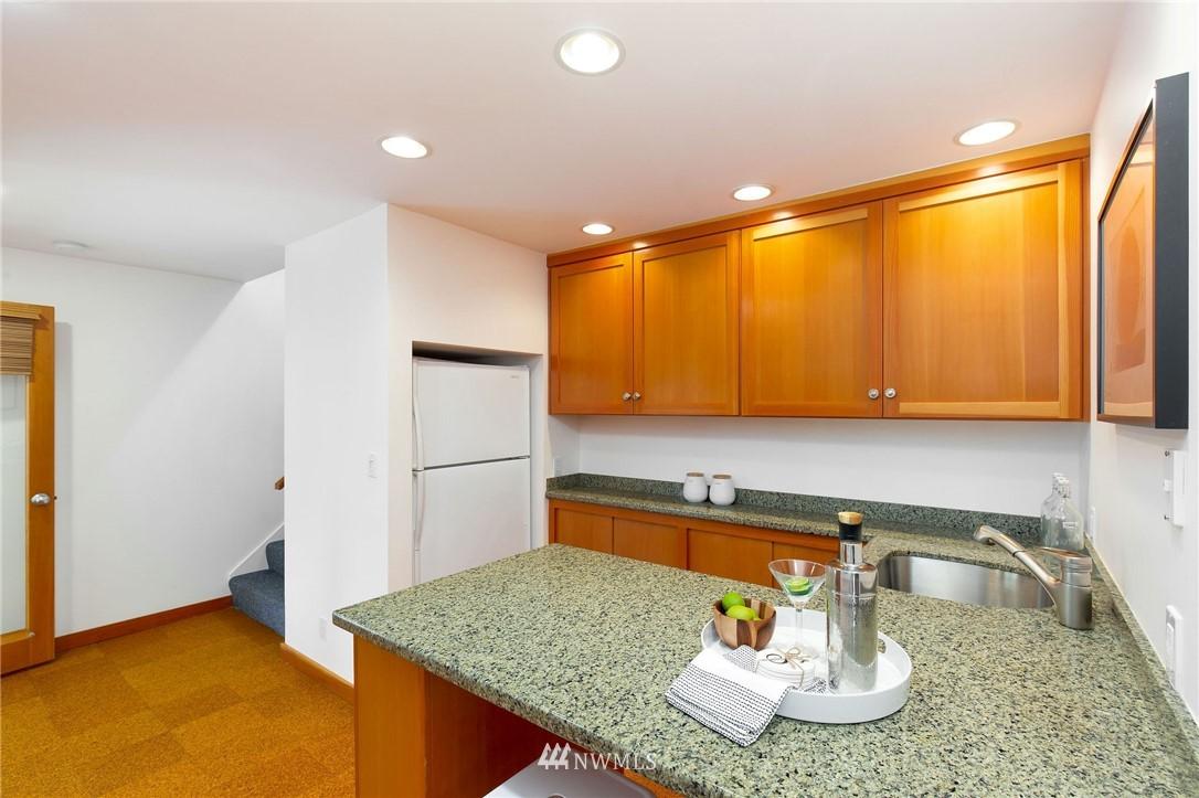 Sold Property | 1314 5th Avenue W Seattle, WA 98119 23