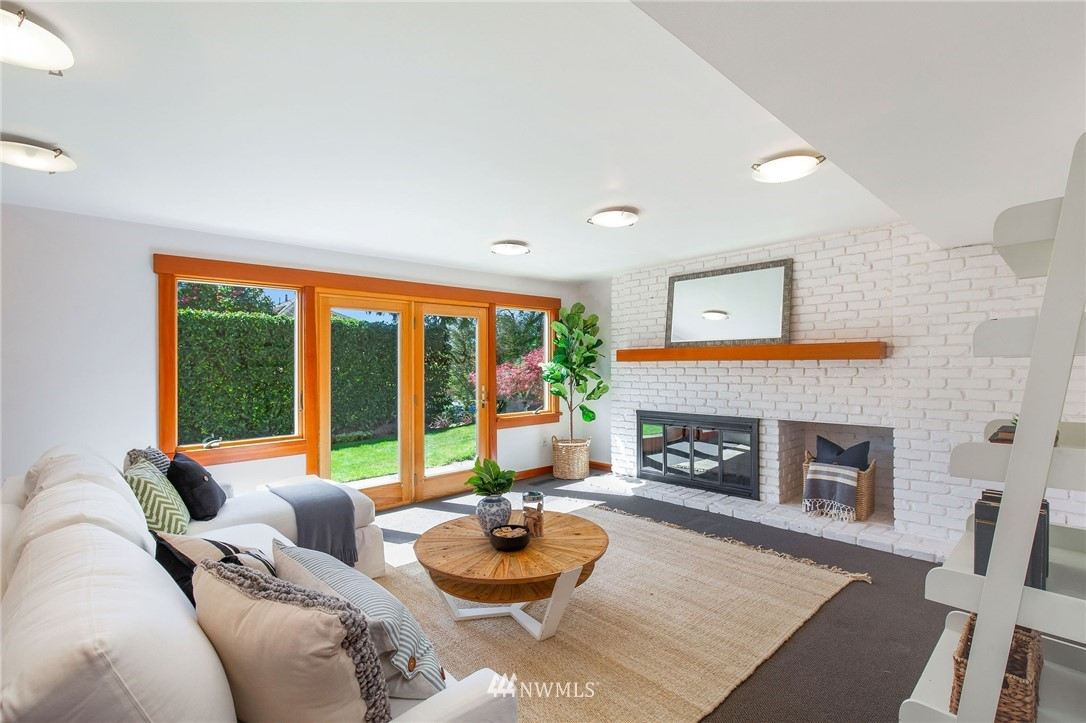 Sold Property | 1314 5th Avenue W Seattle, WA 98119 24