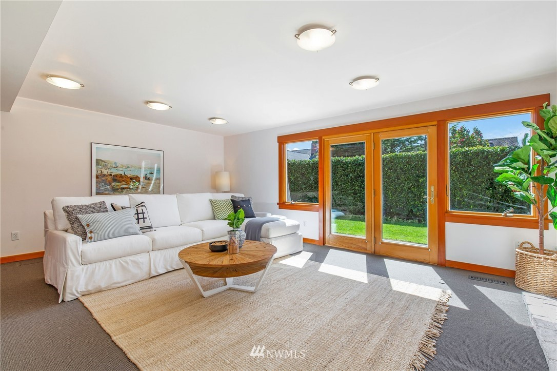 Sold Property | 1314 5th Avenue W Seattle, WA 98119 25