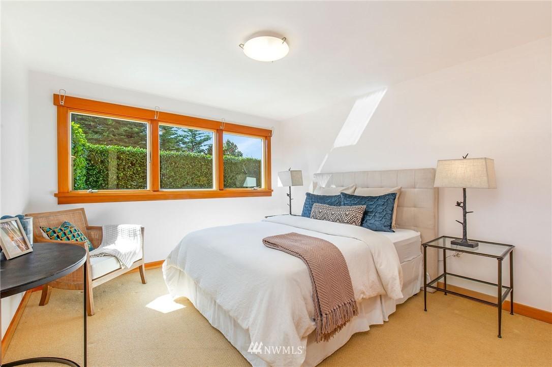 Sold Property | 1314 5th Avenue W Seattle, WA 98119 26
