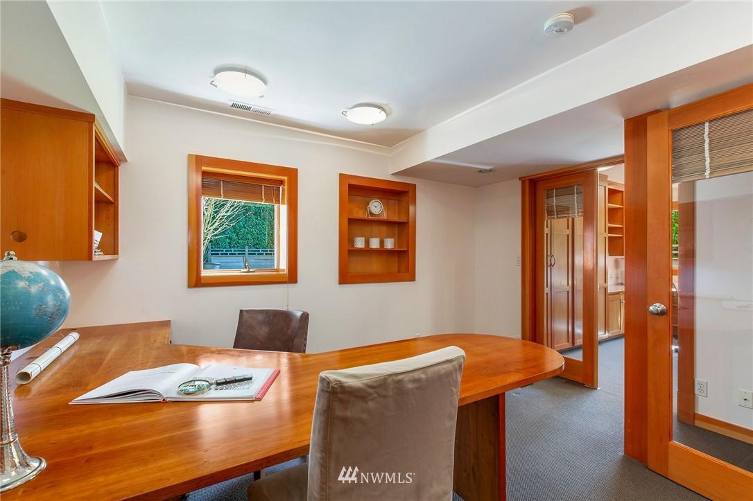 Sold Property | 1314 5th Avenue W Seattle, WA 98119 31