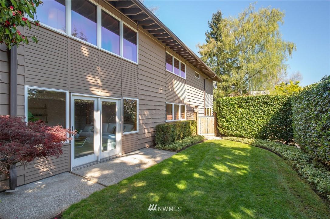 Sold Property | 1314 5th Avenue W Seattle, WA 98119 34