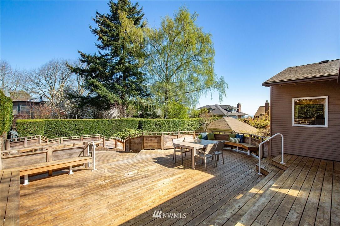 Sold Property | 1314 5th Avenue W Seattle, WA 98119 32