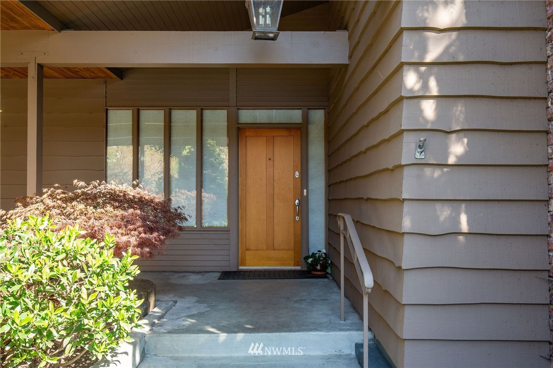 Pending | 1314 5th Avenue W Seattle, WA 98119 0