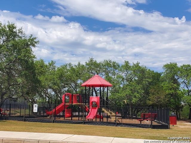 Active Option | 215 GEMSBOK GATE San Antonio, TX 78253 22
