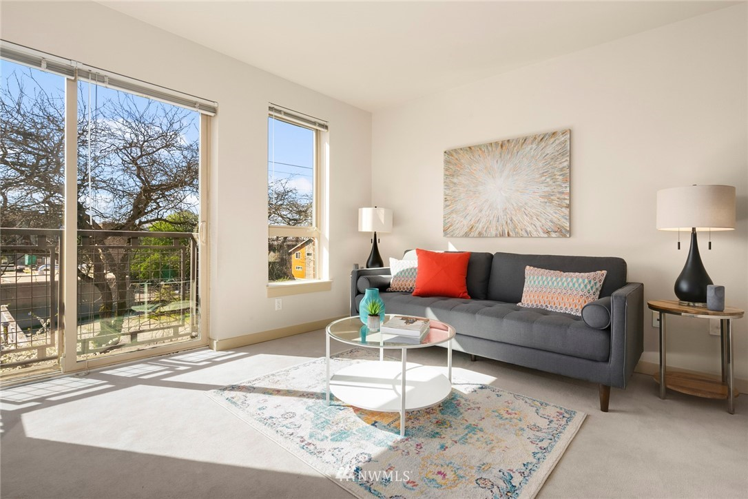 Sold Property | 1410 E Pine Street #W318 Seattle, WA 98122 3