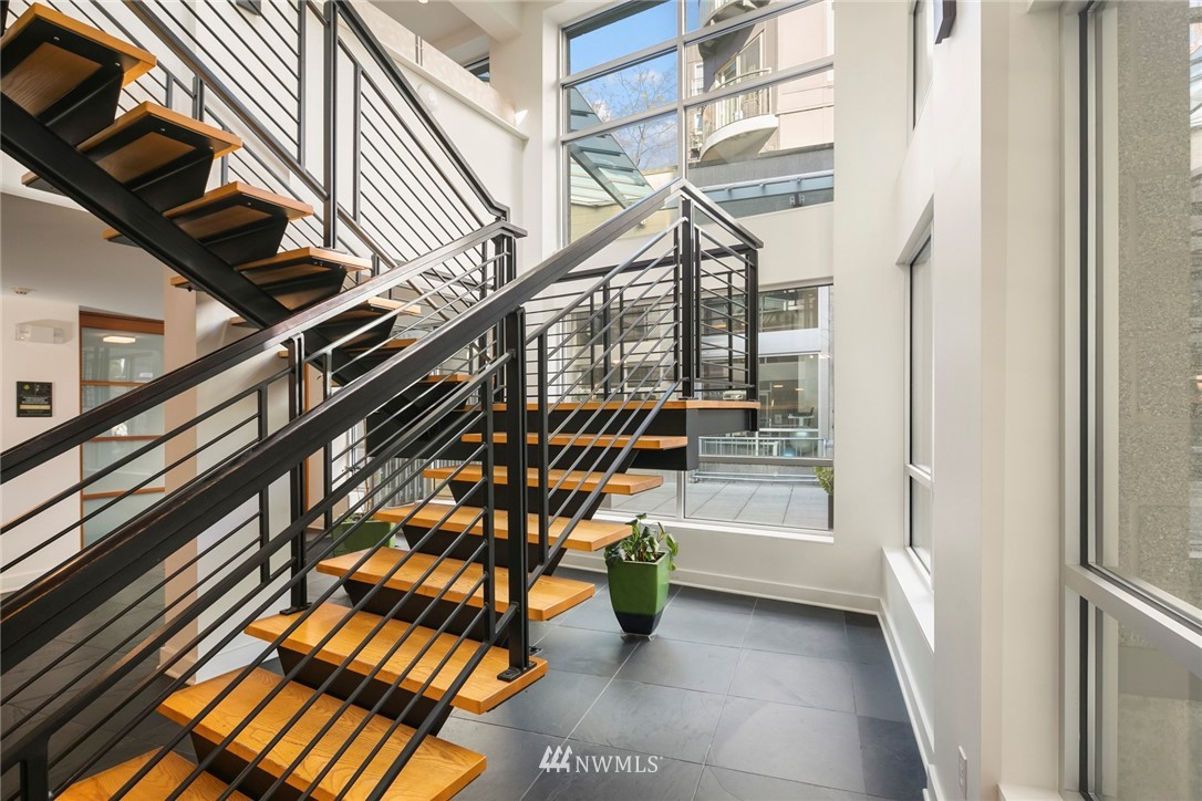 Sold Property | 1410 E Pine Street #W318 Seattle, WA 98122 15