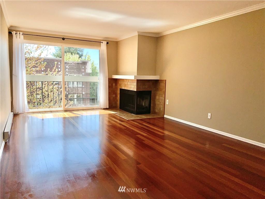 Sold Property   202 W Olympic Place #205 Seattle, WA 98119 31