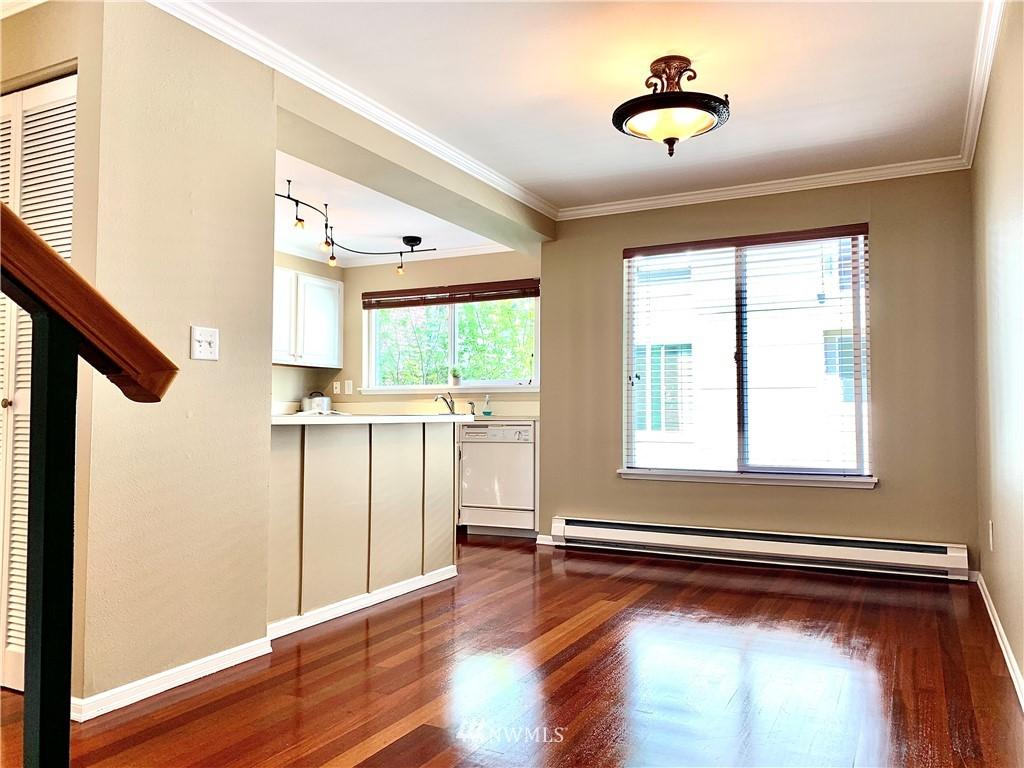 Sold Property   202 W Olympic Place #205 Seattle, WA 98119 34