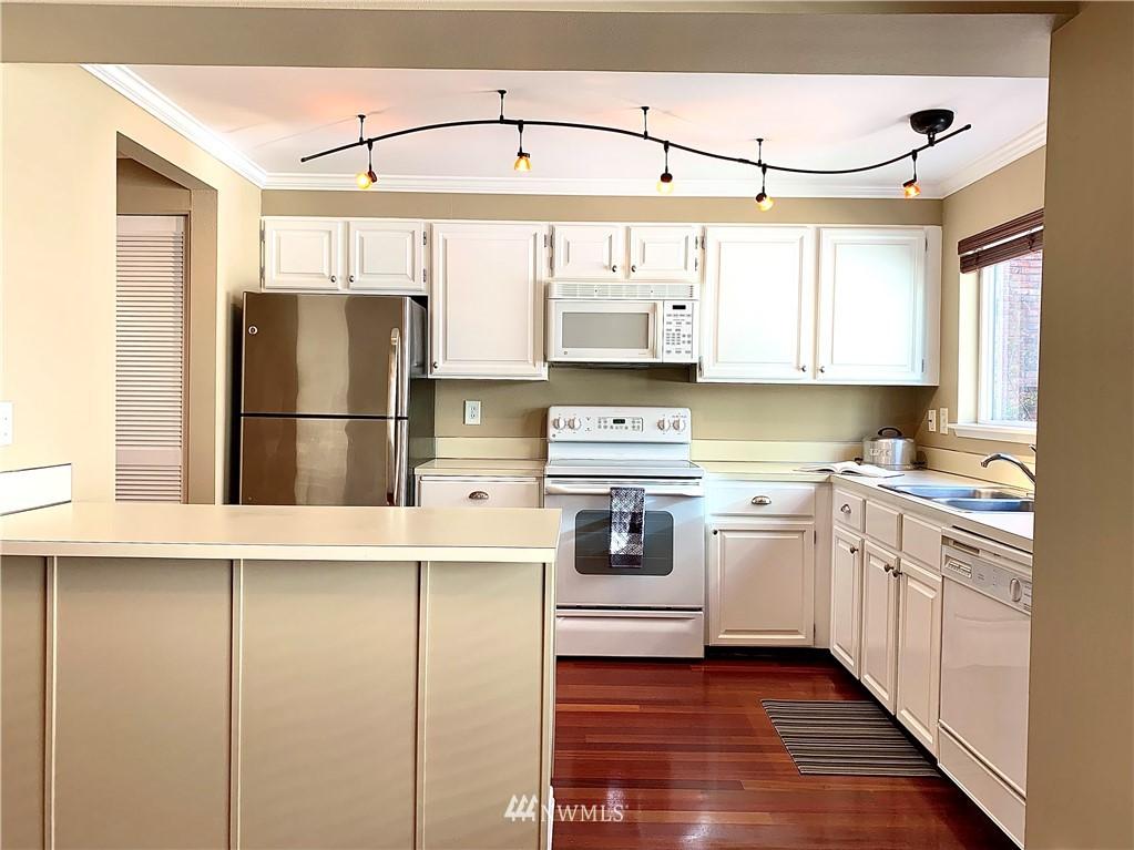 Sold Property   202 W Olympic Place #205 Seattle, WA 98119 6