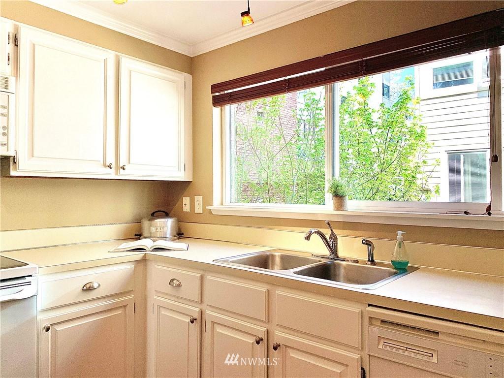 Sold Property   202 W Olympic Place #205 Seattle, WA 98119 5