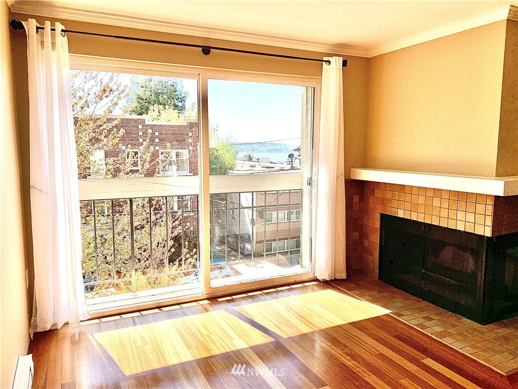 Sold Property   202 W Olympic Place #205 Seattle, WA 98119 19