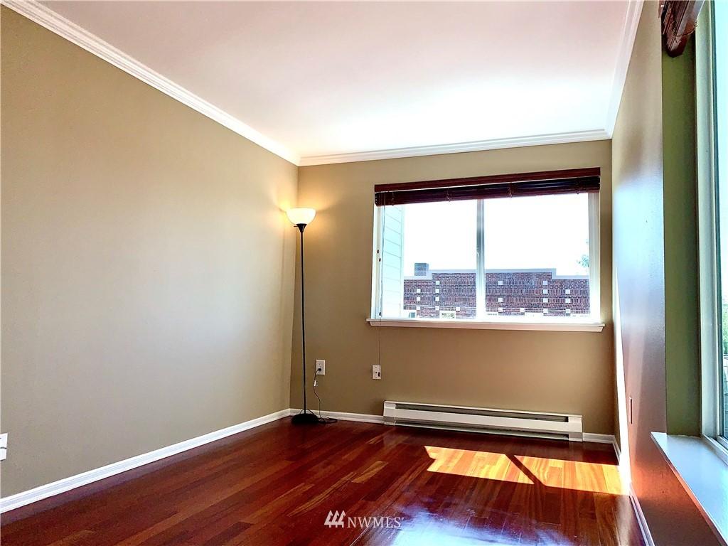 Sold Property   202 W Olympic Place #205 Seattle, WA 98119 29