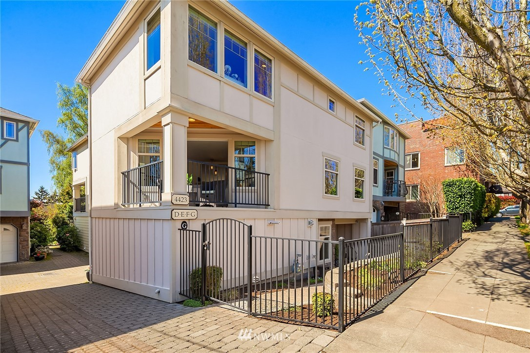 Sold Property | 4423 Phinney Avenue N #G Seattle, WA 98103 0