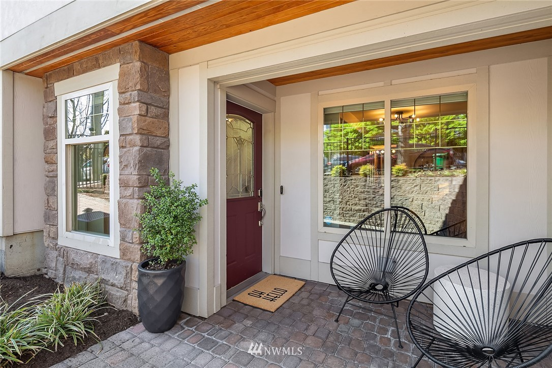 Sold Property | 4423 Phinney Avenue N #G Seattle, WA 98103 1