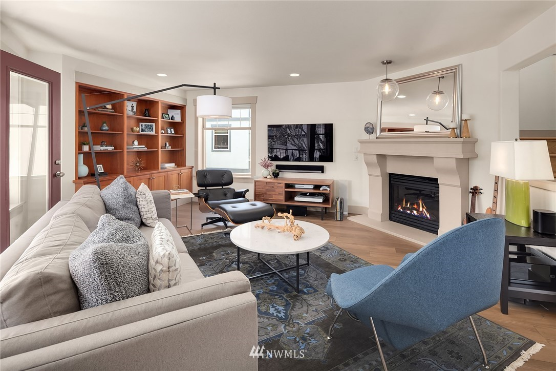 Sold Property | 4423 Phinney Avenue N #G Seattle, WA 98103 3