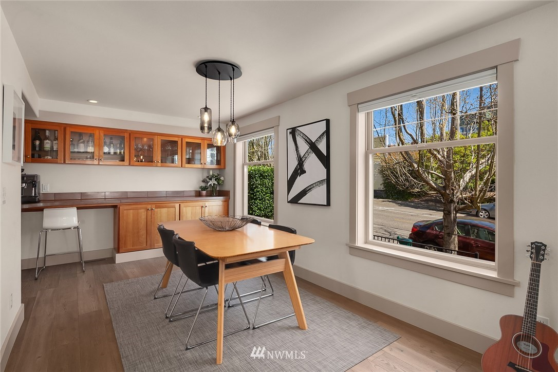 Sold Property | 4423 Phinney Avenue N #G Seattle, WA 98103 7
