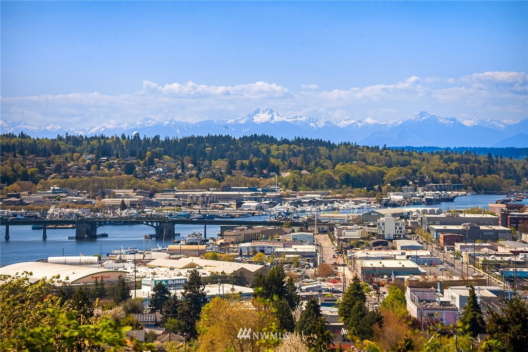 Sold Property | 4423 Phinney Avenue N #G Seattle, WA 98103 24