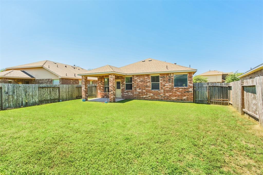Active | 6619 Hawkins Hill Lane Dickinson, Texas 77539 16