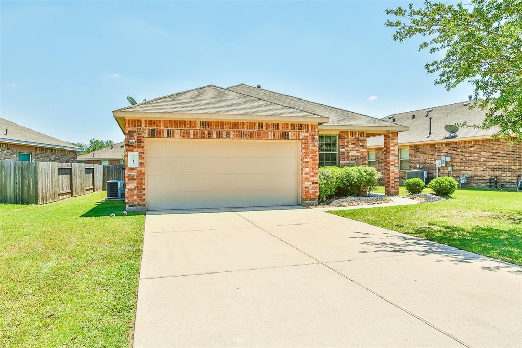 Active | 6619 Hawkins Hill Lane Dickinson, Texas 77539 2