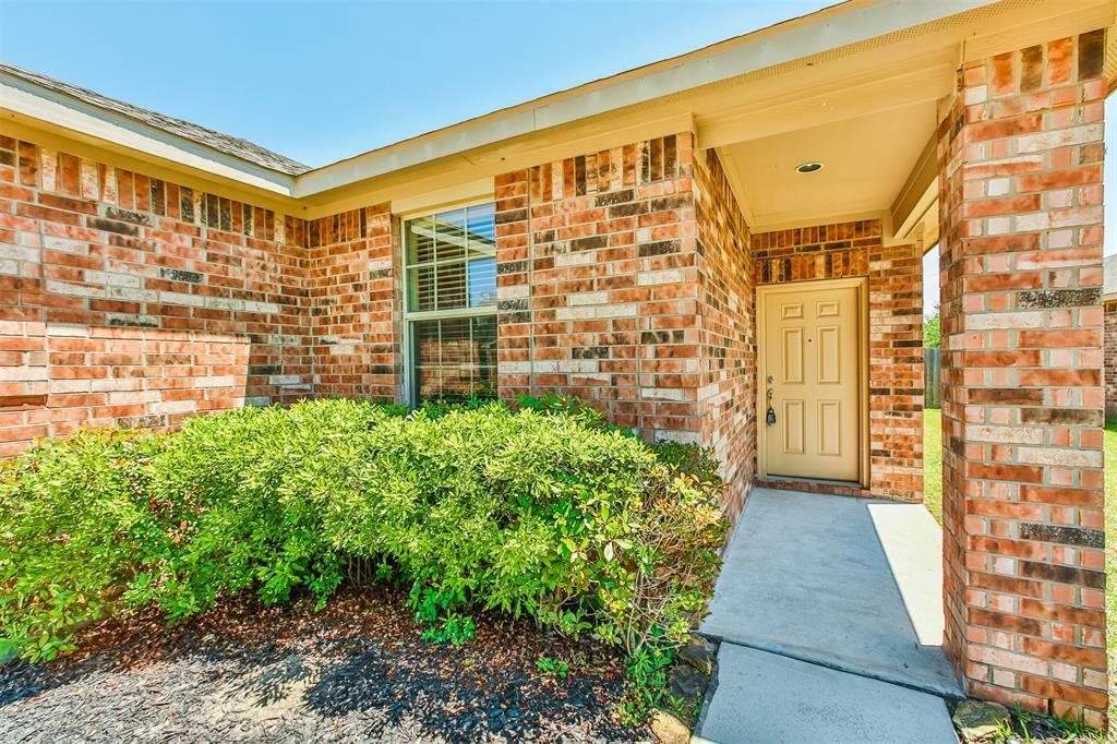 Active | 6619 Hawkins Hill Lane Dickinson, Texas 77539 4