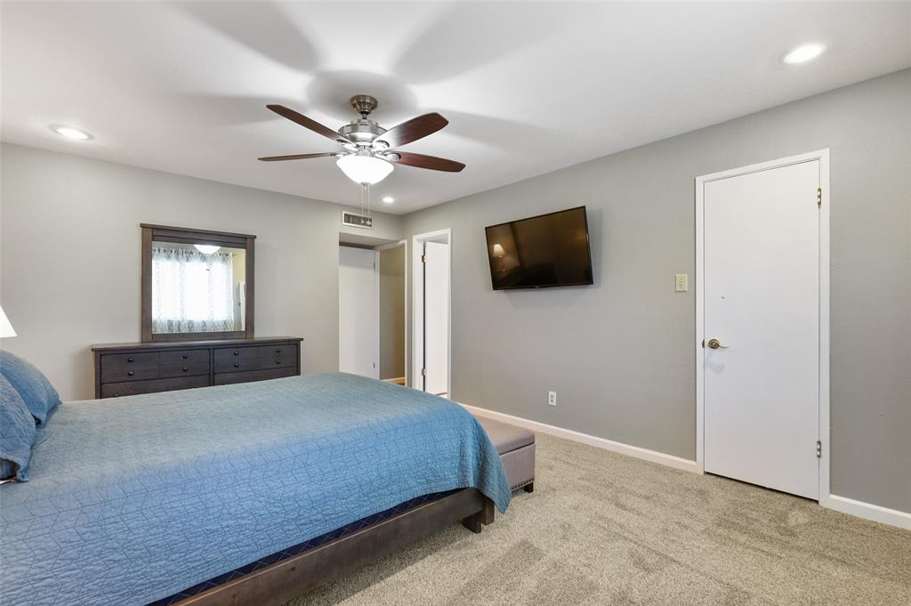DFW Real Estate | 2109 Sandra Lane Grand Prairie, Texas 75052 20